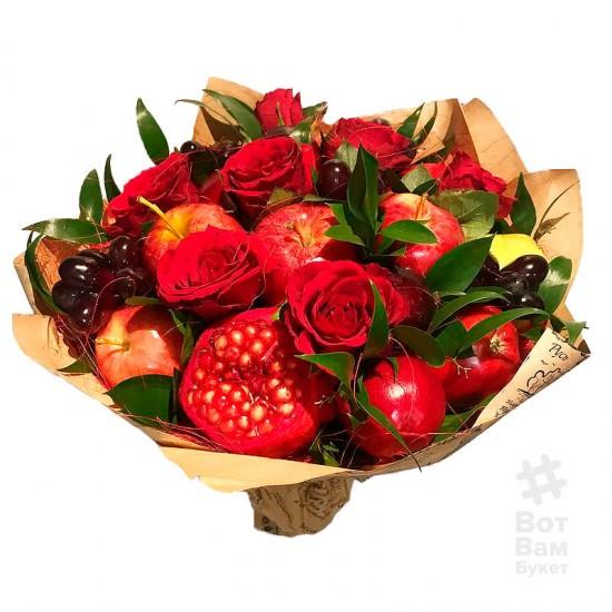Букет с розами и виноградом