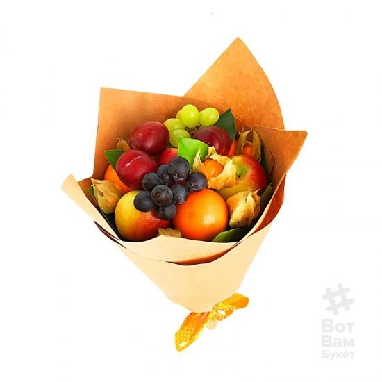 Букет из фруктов и винограда